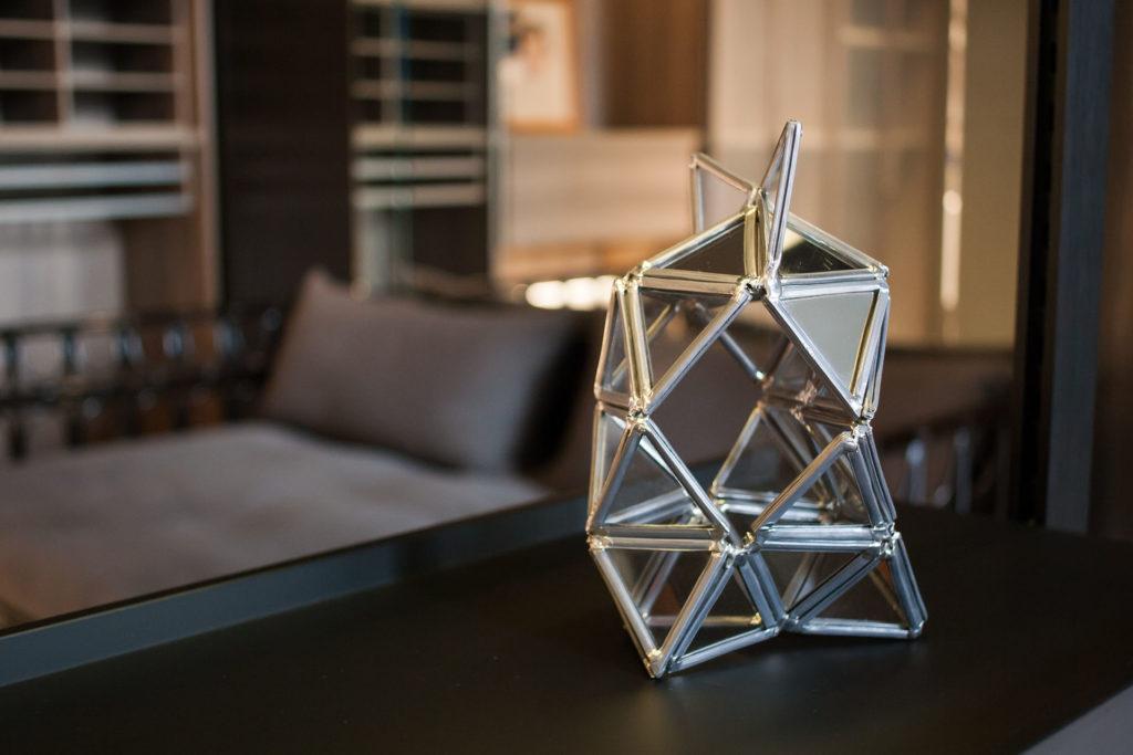 sculpture d'un vitrail façon industriel en décoration à Lyon